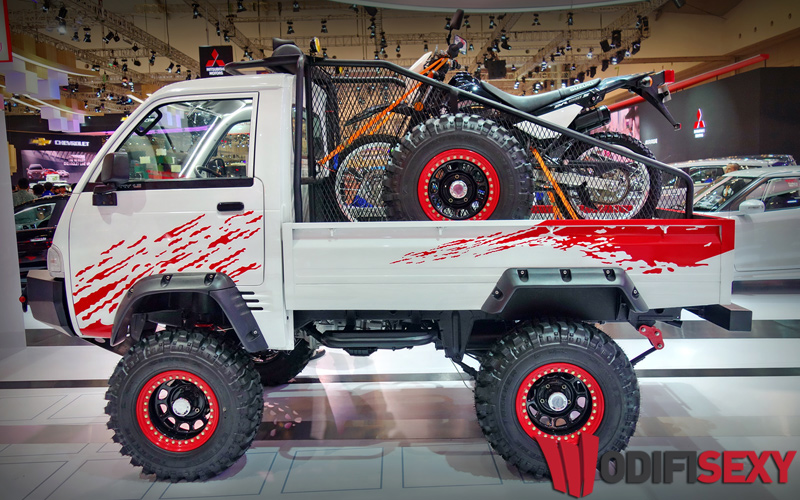 Gagahnya Suzuki Carry Pick Up Dimodif Jadi Mobil Off-Road